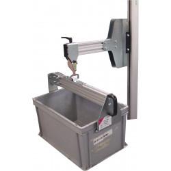 Système d'accrochage de bac sur potence pour mini gerbeur électrique