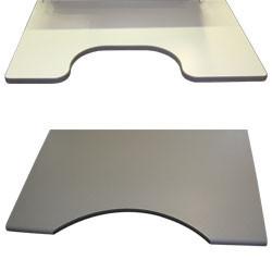 Forme du plateau sur poste de travail avec cadre en profilés aluminium
